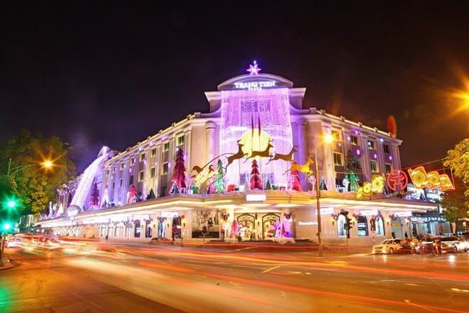 Trang-Tien-Plaza-dia-diem-di-choi-Noel-dep-nhat-o-Ha-Noi-nam-2016