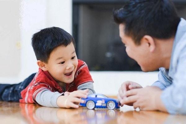 Cha mẹ hãy là người đồng hành với con vượt qua bệnh tật