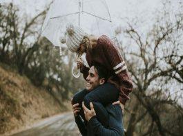 10 lý do khiến con gái thích một người đàn ông lớn tuổi