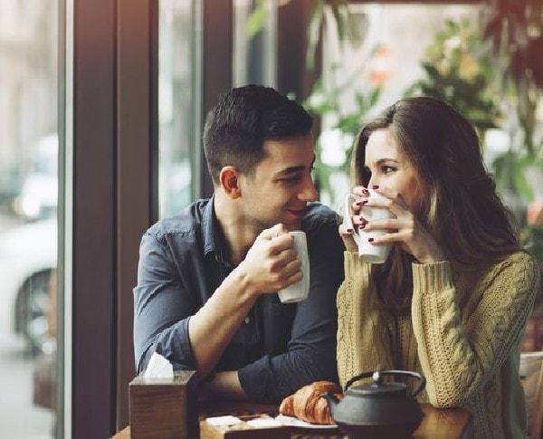 Những lời động viên ngọt ngào là chìa khóa tăng sự mùi mẫn cho tình yêu của hai bạn