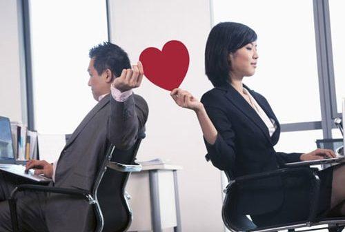 4 điều cần ghi nhớ khi yêu đàn ông hơn 10 tuổi cùng phòng làm việc