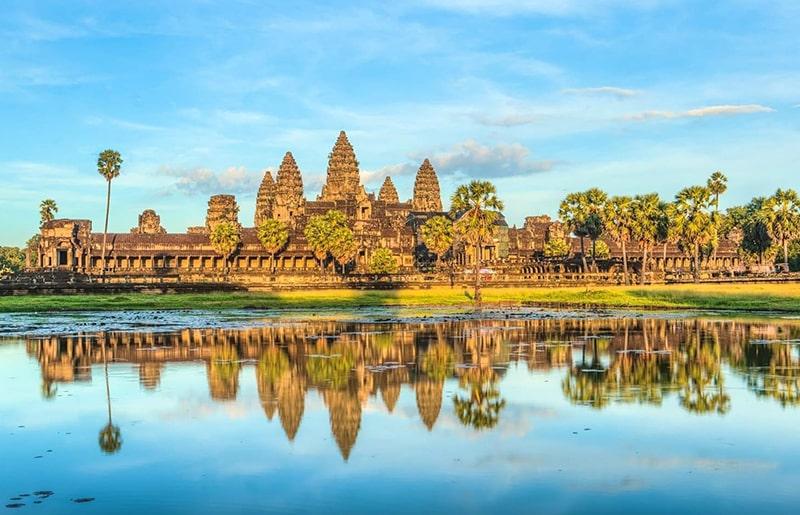 Nên đi du lịch Campuchia theo hình thức tự túc hay đặt tour?