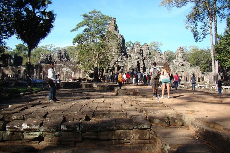 Với những người đi lần đầu thì nên đặt tour du lịch Campuchia