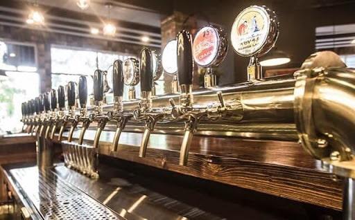 Rất nhiều loại bia chào đón thực khách